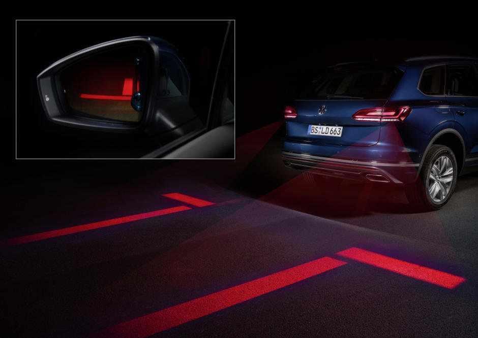 Noile VW vor avea faruri și stopuri care vor proiecta imagini pe carosabil