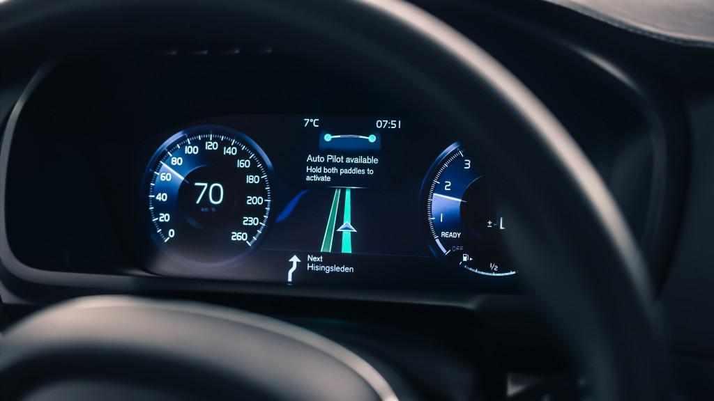 Adevărul despre mașinile care au sistem de conducere autonom. EuroNCAP a testat 10 automobile