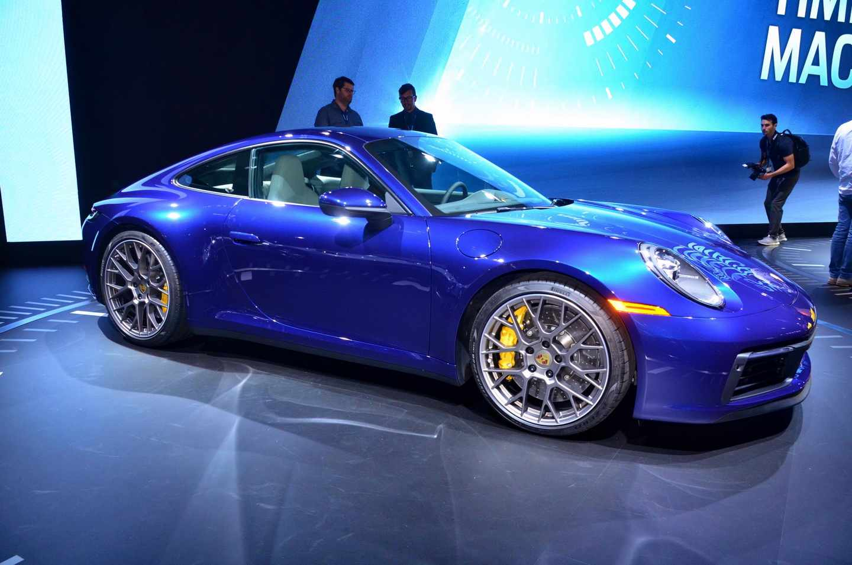 Noul Porsche 911 a fost prezentat la Salonul Auto de la Los Angeles